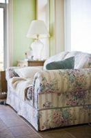 Hvordan til at dække gamle sofaer & Loveseats
