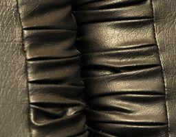 Hvordan at rengøre stinkende læder