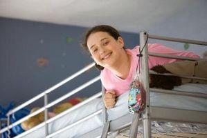 Hvordan man kan dekorere en lille Preteen pigens soveværelse med en hems