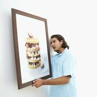 Hvordan til at hænge et billede på væggen