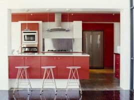 De bedste farver til et køkken med røde skabene