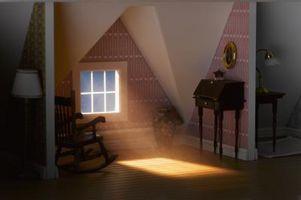 Hvordan du arrangerer møbler i et skrånende loft Attic soveværelse