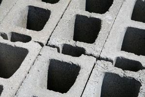 Sådan lå betonblokke til et højbed