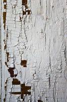 Hvordan du fjerner maling fra Alligatoring træ