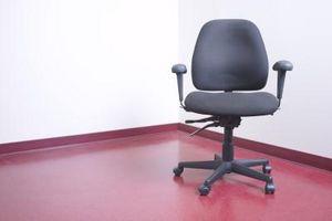 Hvordan man laver en stol dække for en kontorstol