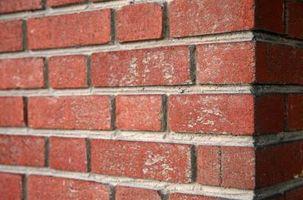 Sådan erstatte brudt mørtel omkring mursten
