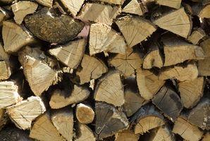 Hvordan man opbygger et varmt træ komfur brand