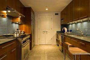 Mørkt træ Vs. lys træ køkken Cabinets
