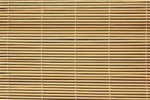 Sådan tilføjes en Blackout Liner til bambus romerske nuancer