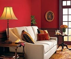 Hvordan man kan dekorere et værelse med accenter af rød