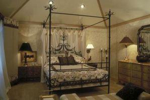 Hvordan man kan dekorere en sengehimmel seng med lys