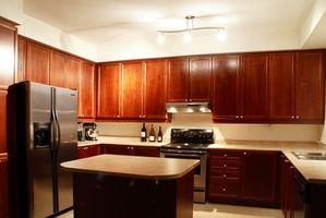 Den gennemsnitlige længde & bredde af køkken køleskab