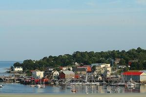 Hvordan til at købe jord i Maine