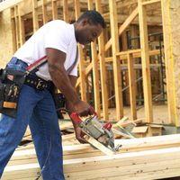 Hvad er den Standard størrelse for Studs til husbyggeri?