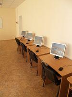 Hvordan man opbygger en Computer skrivebord med en plade af krydsfiner