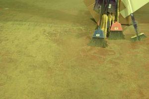 Hvordan man kan male et Cement gulv til at ligne Rock