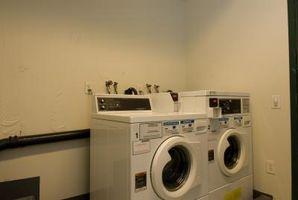 Højden af vaskemaskine og tørretumbler tilslutninger
