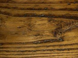 De bedste måder at rengøre gamle træ møbler