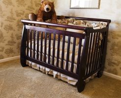 Vejledningen for at konvertere en barneseng til et lille barn seng