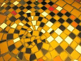 Hvordan man kan lægge ud en mosaik flise gulv kant