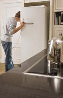Hvordan at reparere mit køleskab, der ikke fryse isen eller få meget koldt