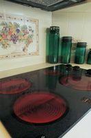 Hvordan at reparere en ridset glas kogeplade